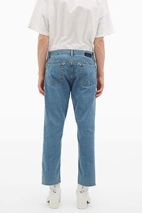 MM Cropped Blue Jeans