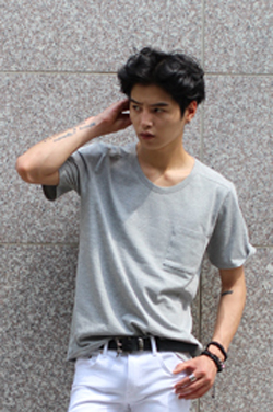 A. Wa*g Round Neck Pocket T-Shirts(3팩결제창)