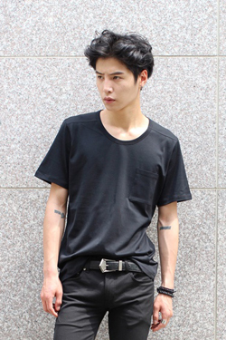 A. Wa*g Round Neck Pocket T-Shirts(단품결제창)